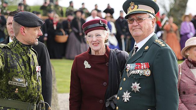 Endlich mögen ihn die Dänen: Prinz Henrik wird 80 (Bild: APA/EPA/AXEL HEIMKEN)