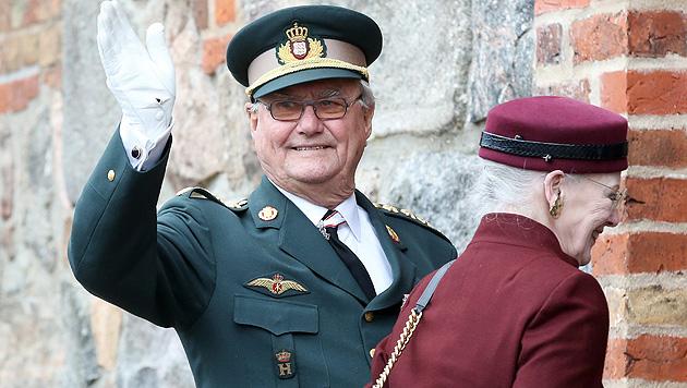 Endlich mögen ihn die Dänen: Prinz Henrik wird 80 (Bild: APA/EPA/BODO MARKS)