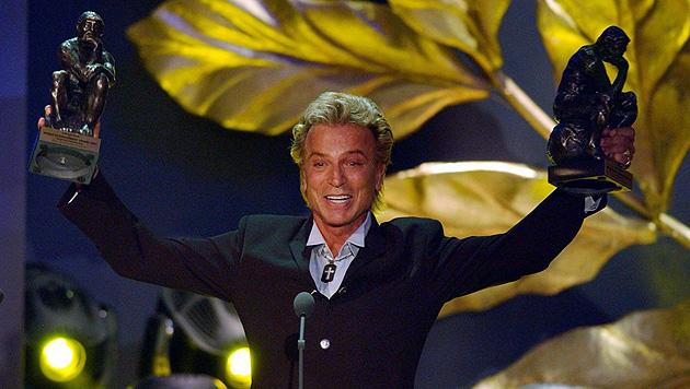 Siegfried Fischbacher bei der Verleihung des World Award im Jahr 2003. (Bild: Kay Nietfeld/EPA/picturedesk.com)