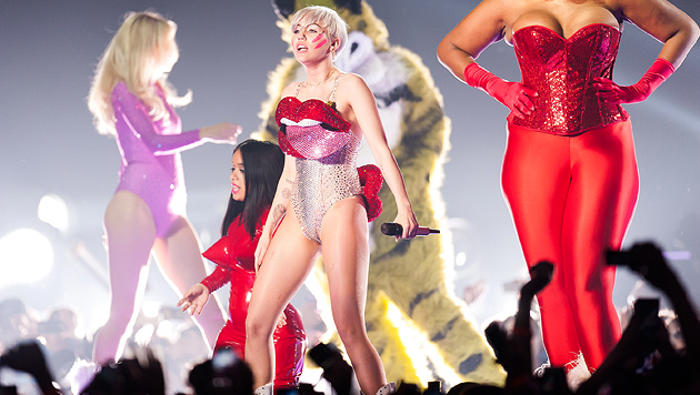 Mileys kunterbuntes Pubertäts-Spektakel in Wien (Bild: Andreas Graf)