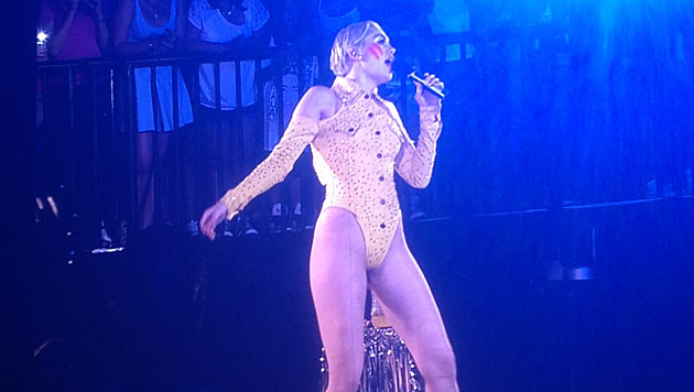 Mileys kunterbuntes Pubertäts-Spektakel in Wien (Bild: krone.at-Leserreporter)