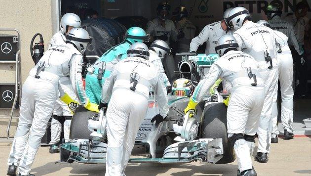 Neues Kühlsystem brachte Mercedes Probleme (Bild: AP)