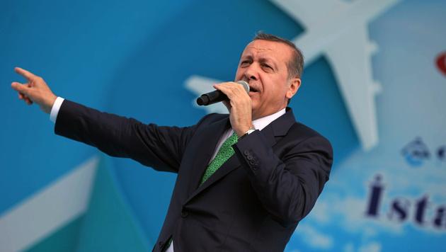 """Erdogan spricht """"nur"""" in Albert-Schultz-Eishalle (Bild: AP)"""
