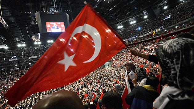 Erdogan-Auftritt am 24. Mai 2014 in der Kölner Lanxess Arena (Bild: APA/EPA/Henning Kaiser)