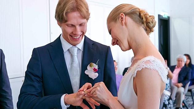 Olga Esina und Kirill Kourlaev haben geheiratet (Bild: Starpix/Alexander Tuma)