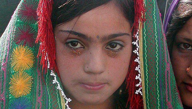 Mädchen (11) erhängte sich nach Zwangsheirat (Bild: EPA/picturedesk.com/Farahanaz Karimy (Symbolbild))