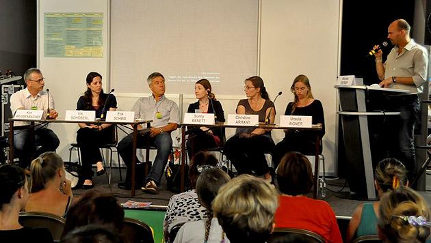 Experten bei der PetExpo: Eine spannende Diskussion um Hundetraining im TV entbrannte. (Bild: PetExpo)