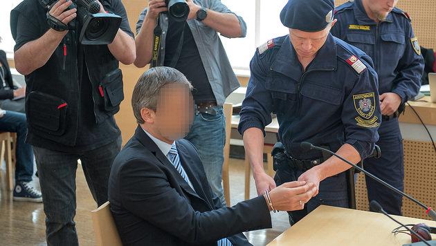 Prozess nach tödlicher Sex-Attacke in Gmunden (Bild: APA/FOTO-KERSCHI.AT/WERNER KERSCHBAUMMAYR)