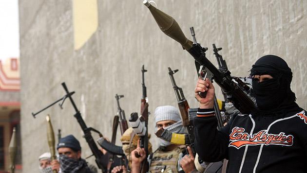 Kämpfer des IS in der westirakischen Stadt Falludscha (Bild: APA/EPA/Mohammed Jalil)