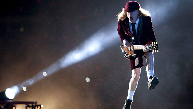 Angus Young, AC/DC (Bild: EPA)