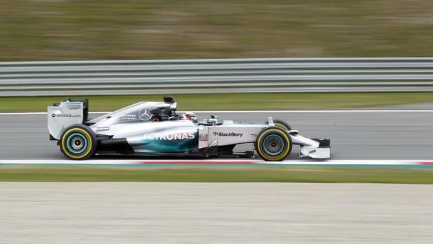 Lewis Hamilton im Mercedes (Bild: Darko Bandic)