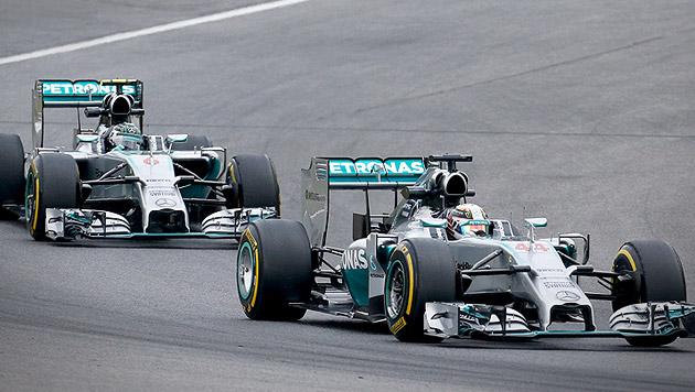 Mercedes dominiert erstes Training in Spielberg (Bild: AP)