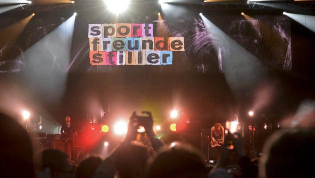 Die Sportfreunde Stiller bei ihrem Auftritt in Spielberg (Bild: APA/HERBERT NEUBAUER)