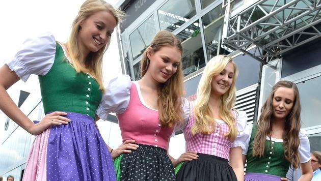 Die Grid-Girls von Spielberg (Bild: EPA)