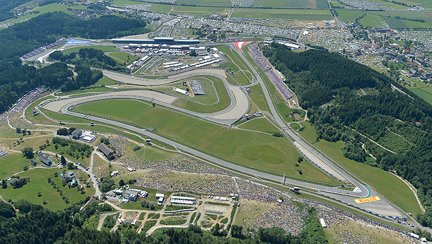 Rosberg gewinnt Österreich-Grand-Prix vor Hamilton (Bild: APA/HARALD SCHNEIDER)