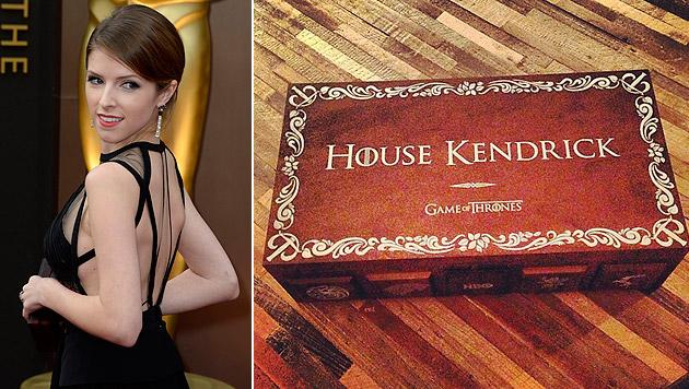 """Anna Kendrick und ihre eigene """"Game of Thrones""""-Fanbox. (Bild: APA/EPA/MIKE NELSON, instagram.com/annakendrick47)"""