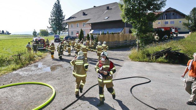 Gedenkkerze entfacht Brand auf Bauernhof in Sbg (Bild: MARKUS TSCHEPP)
