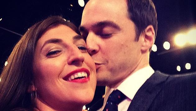 "Parsons: Bussi für ""The Big Bang Theory""-Partnerin (Bild: instagram.com/therealjimparsons)"