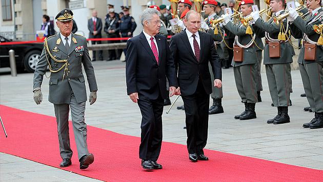 Putins Blitzbesuch: Brücken, Kanäle und Pipelines (Bild: Peter Tomschi)