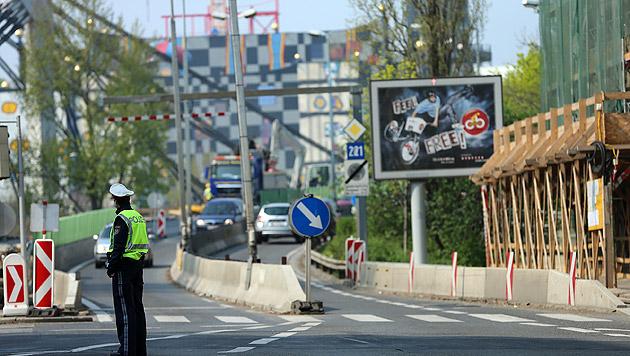 Stau-Chaos in Wien: Neue Bauphase auf Gürtelbrücke (Bild: Peter Tomschi)