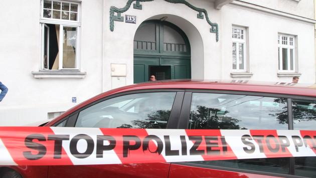 Tote nach Zimmerbrand in Wien: Frau ist erstickt (Bild: Andi Schiel)