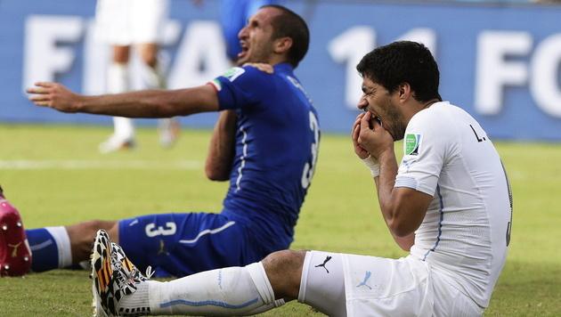 Suarez 2 Jahre nach Beißattacke wieder für Uruguay (Bild: APA/EPA/EMILIO LAVANDEIRA JR)