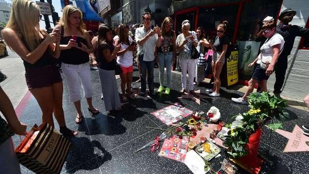 15.000 Rosen für Michael Jackson am 5. Todestag (Bild: AP)