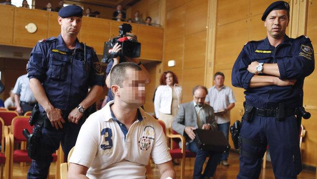 Urteil in OÖ: 20 Jahre Haft für Mord an Stiefvater (Bild: APA/RUBRA)