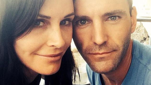 Courteney Cox bestätigt Verlobung mit McDaid (Bild: twitter.com/CourteneyCox)