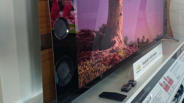 Wohlklingende Stereoboxen: Klanglich hat Sony beim WM-Fernseher ganze Arbeit geleistet. (Bild: Dominik Erlinger)