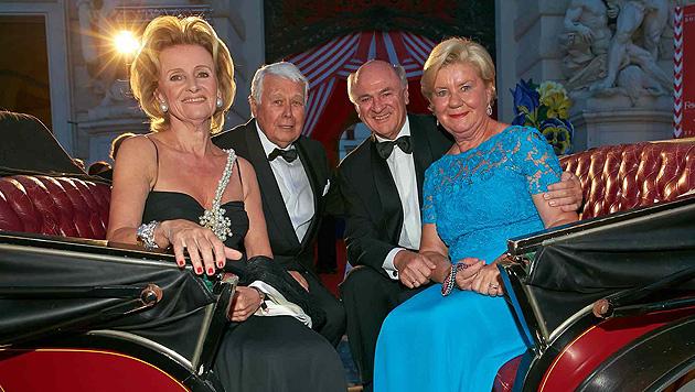 Elisabeth Gürtler, Peter Weck, Erwin Pröll und Gattin Sissi. (Bild: Alexander Tuma)