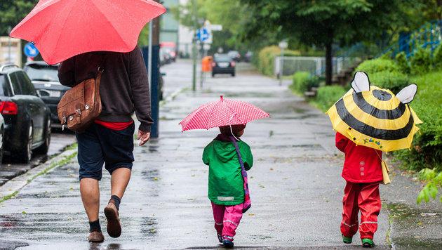 Erste Ferienwoche wird regnerisch und kühl (Bild: APA/dpa)