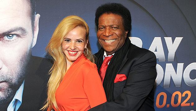 Robert Blanco mit Ehefrau Luzandra (Bild: APA/EPA/URSULA DUEREN)