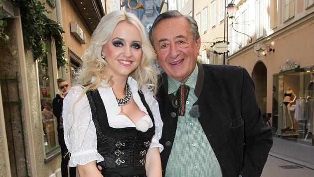 Richard Lugner feiert mit Schwiegerpapa in spe (Bild: APA/NEUMAYR/MMV)