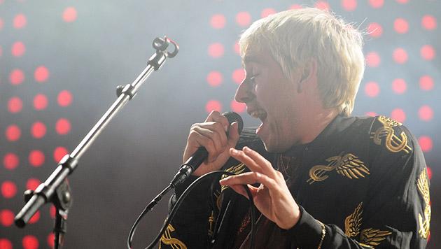 Sänger Maurice Ernst von der österreichischen Band Bilderbuch (Bild: APA/HERBERT P. OCZERET)