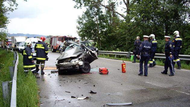 Eine Tote und neun Verletzte bei Unfall in NÖ (Bild: www.bfk-amstetten.at)