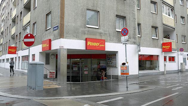 In dieser Penny-Markt-Filiale griff der Verdächtige in die Kasse. (Bild: Gerhard Bartel)