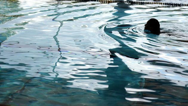 Mädchen nach Badeunfall im Krankenhaus gestorben (Bild: dpa/Oliver Krato (Symbolbild))