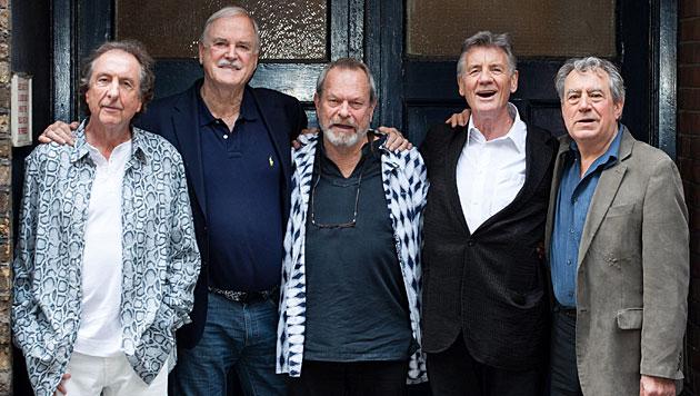 Monty Python: Fünf alte Herren & ihre Gedenkfeier (Bild: APA/EPA/DANIEL LEAL-OLIVAS)