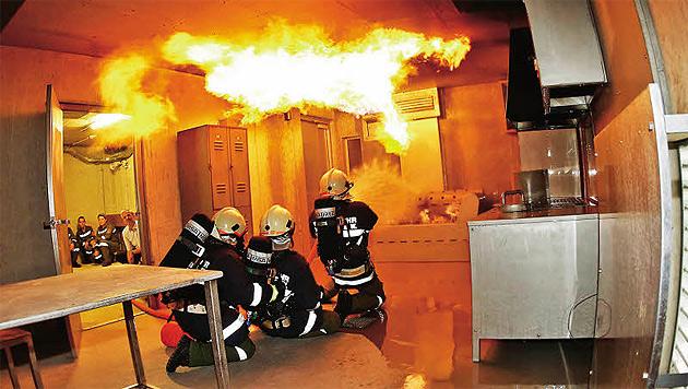 Damenwahl bei der Freiwilligen Feuerwehr (Bild: Markus Tschepp)