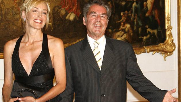 Sharon Stone war wohl einer der schillerndsten Präsidenten-Gäste - hier bei der Aids-Life-Gala 2007 (Bild: APA/Harald Schneider)