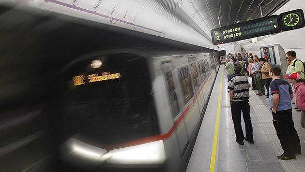 Von U-Bahn überrollt: Mann blieb unverletzt (Bild: APA/Herbert Pfarrhofer, krone.at-Grafik)