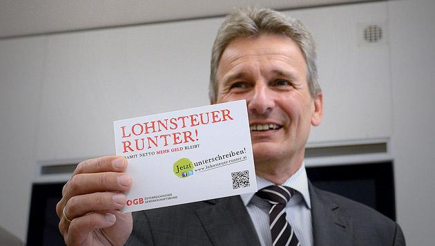 """Lohnsteuer runter!"" - ÖGB startet Kampagne (Bild: APA/HELMUT FOHRINGER)"