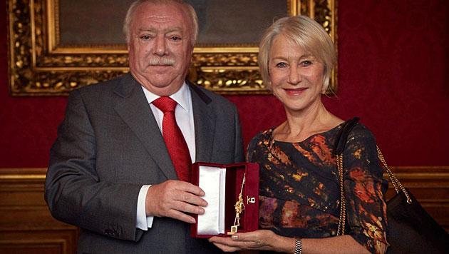Wiens Bürgermeister Häupl ehrte Helen Mirren (Bild: Robert Viglasky)