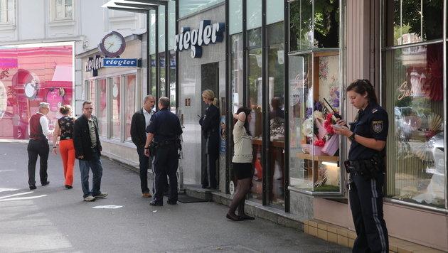 Juwelier in Graz ausgeraubt - Duo entkommt zu Fuß (Bild: Sepp Pail)