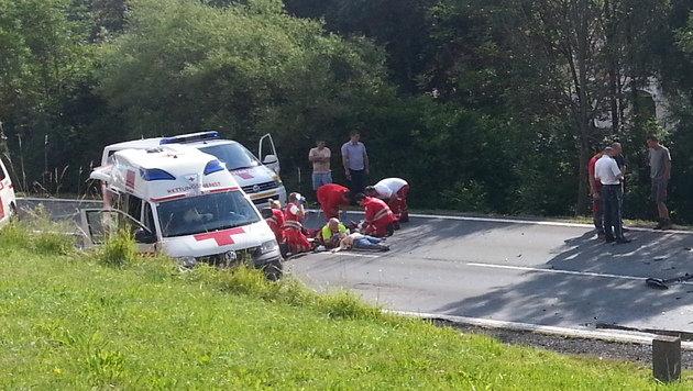 Zwei Frauen und Kind (7) bei Autounfall verletzt (Bild: APA/ÖAMTC)