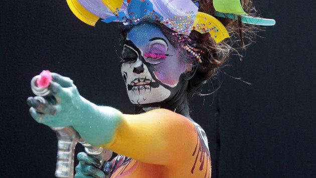 Bodypainting-Festival lockte 30.000 Besucher an (Bild: APA/GERT EGGENBERGER)