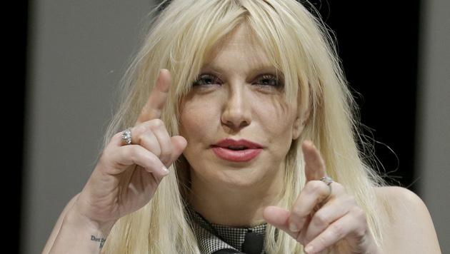 Courtney Love pöbelt gerne Journalisten an. (Bild: AP)