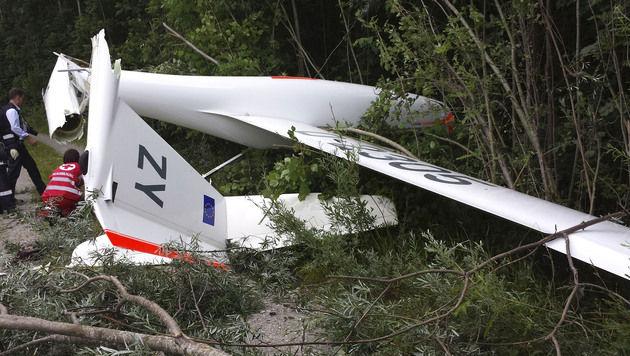 Segelflieger abgestürzt: 2 Vorarlberger verletzt (Bild: APA/ZEITUNGSFOTO.AT/LIEBL DANIEL)
