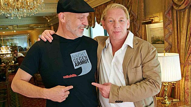 Ben Becker macht sich stark für die Volkshilfe. Im Bild mit Geschäftsführer Erich Fenninger. (Bild: Alexander Tuma)